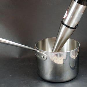 沉浸式搅拌机使用2