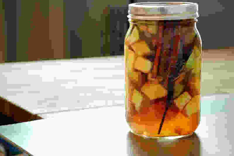 苹果派泡波本酒