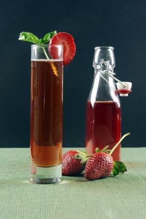 草莓罗勒真空浸泡朗姆酒气泡