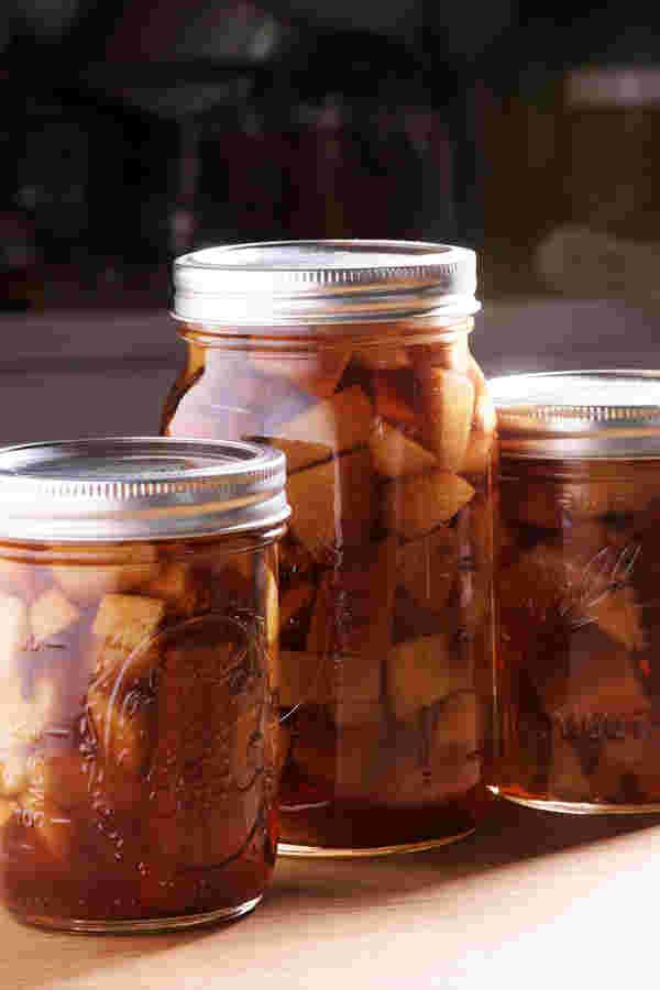 真空烹饪苹果派波旁威士忌