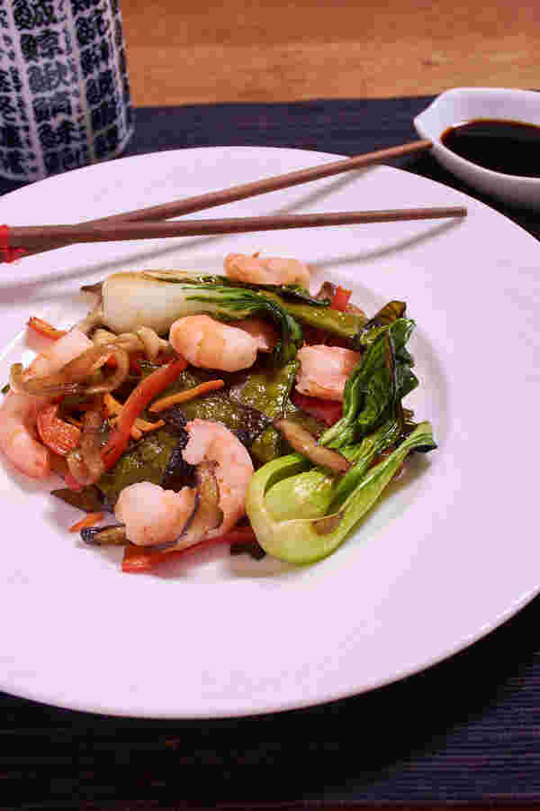 Sous vide shrimp stir fry top v