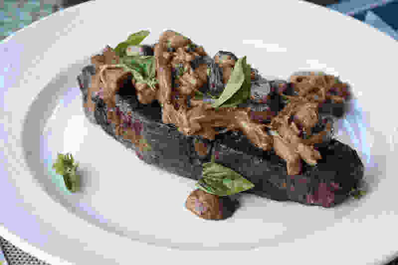 Sous vide chuck steak sherried mushrooms 2748