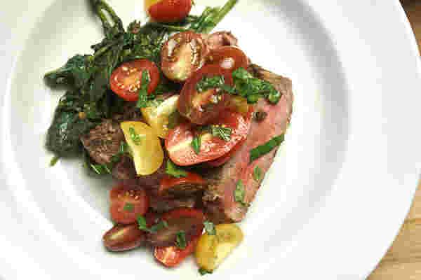 牛排番茄沙拉