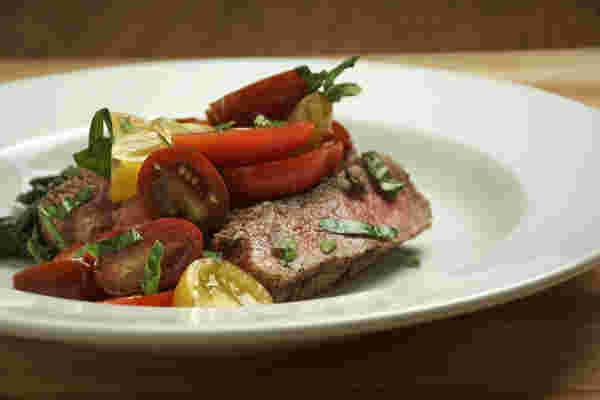 牛排番茄沙拉2