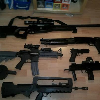 Dan -- bbguns4less co uk Show us your custom gun or gun