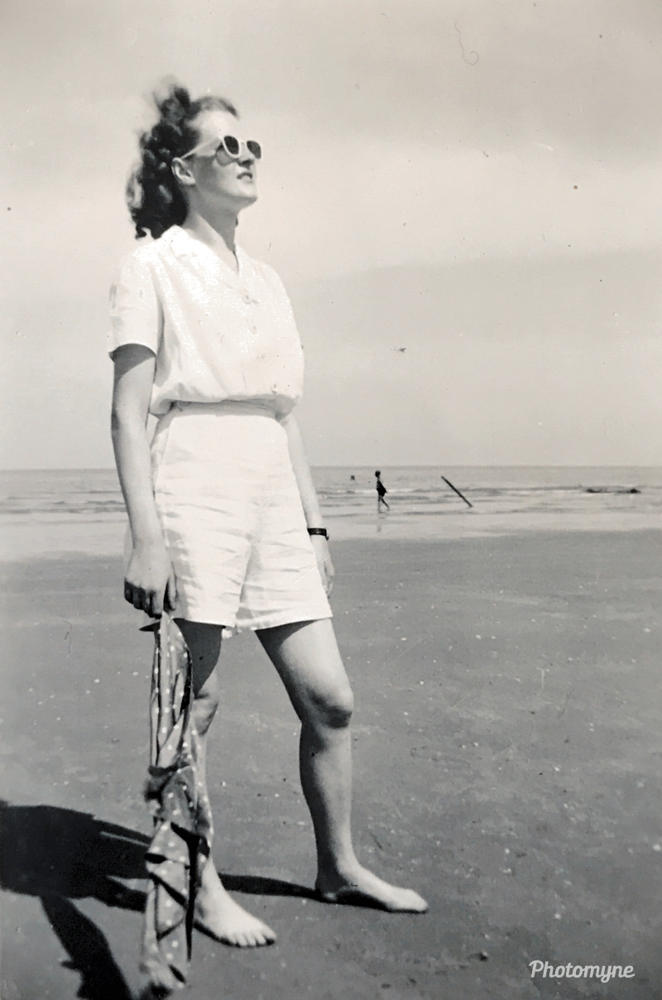 At the seashore, bathing suit in-hand. Knokke-Heist, Belgium - 1945. Shared by Micheline Permanne