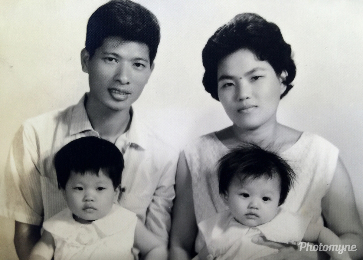 I miss you ⋯ Dad, Mom & younger sister, Taiwan, 1964
