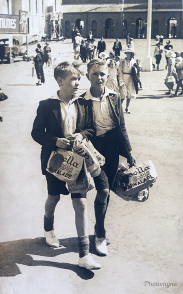 Dad and a mate at the Sydney Royal Easter Show. Browns Plains, Sydney, New South Wales, Australia, 1944