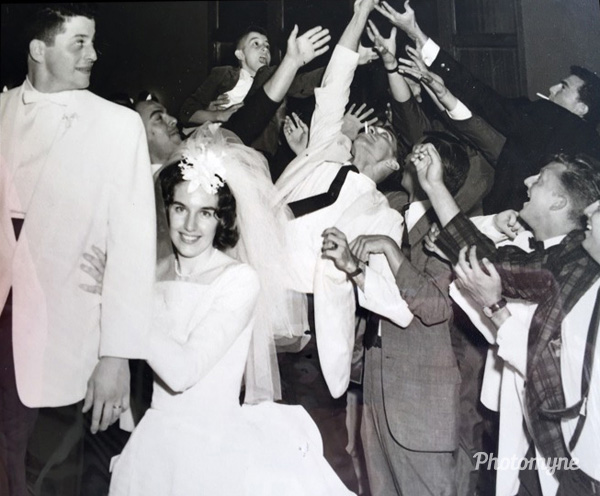 Catching the garter, 1962, US