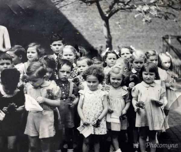 École gardienne boulevard d'avroy Liege (Guardian school boulevard d'avroy Liege). Belgium 1947