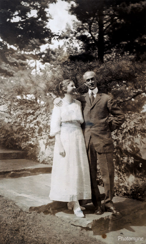 Helen and Henry Cooke. New Hampshire, USA 1919