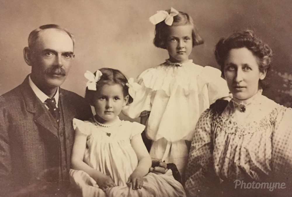 Charles Newton Woodward family, Denver, Colorado, United States, 1909