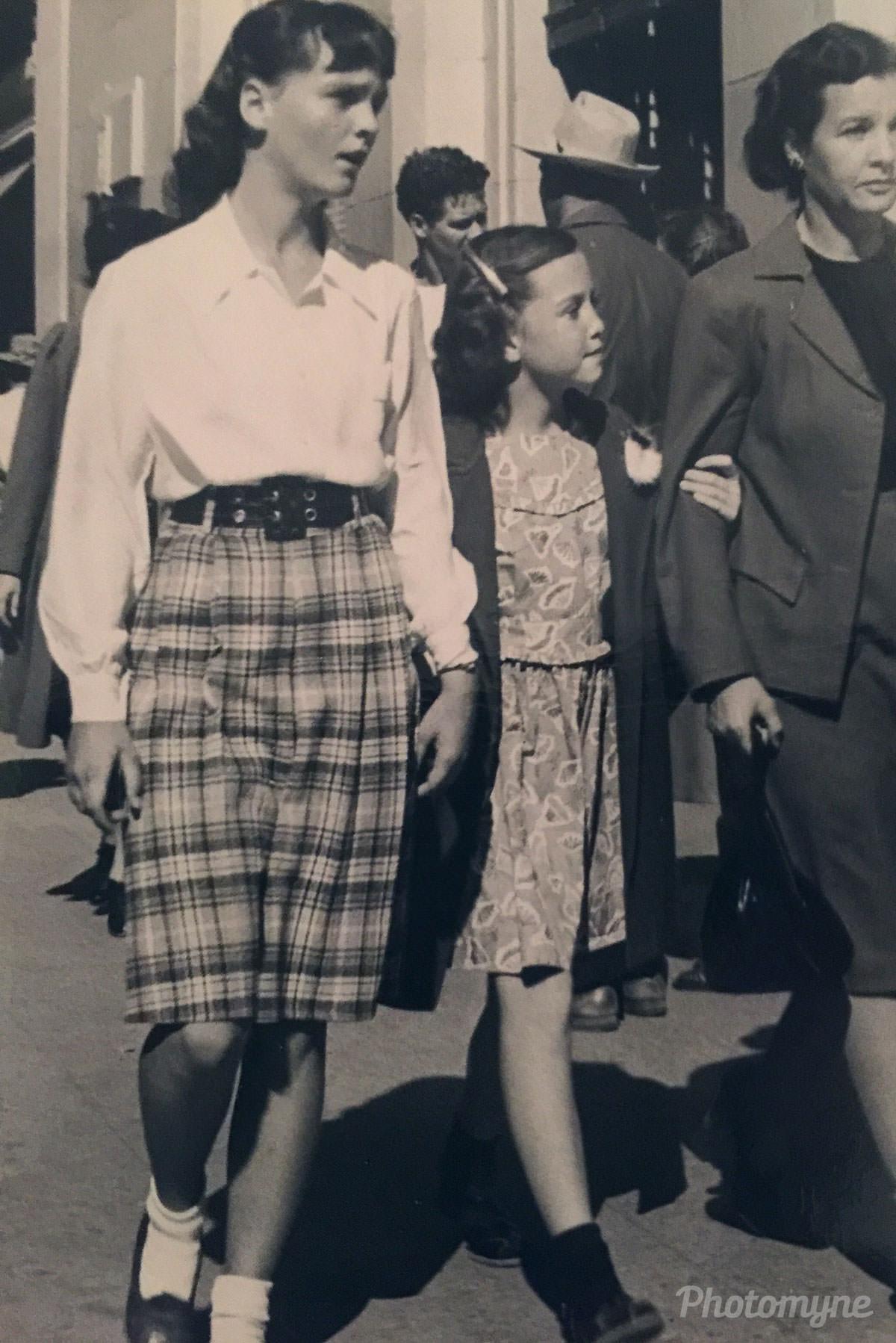 Street photographer, Tucson, Arizona, US, 1946
