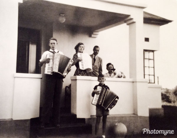 Mossel Bay. My parents and two brothers. South Africa 1954