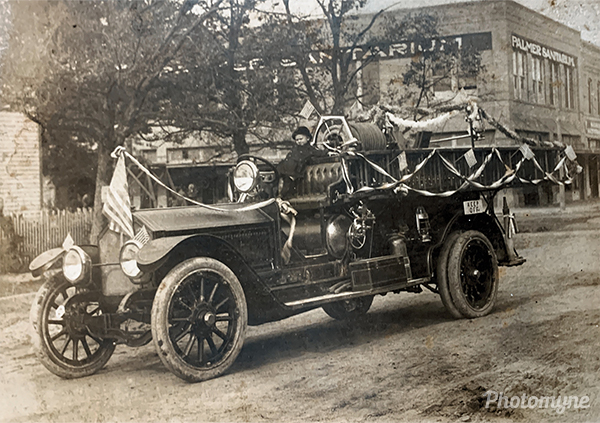 Truck of the Fire Department, American LaFrance with solid tires. TX, USA 1918