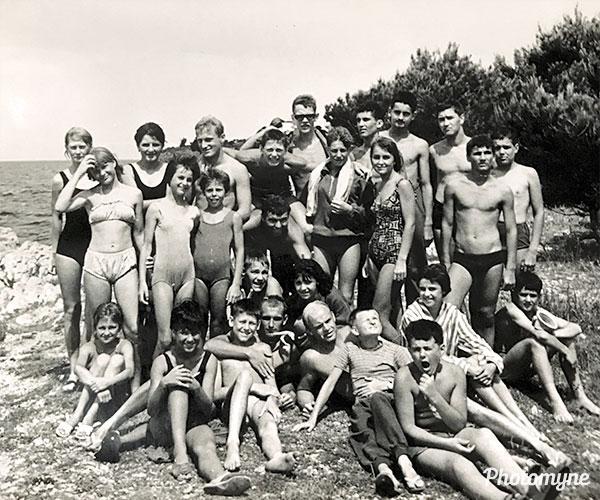 Plavalni klub Radovljica na pripravah za finale 2. zvezne lige (Swimming Club Radovljica in the preparations for the finals of the 2nd League). Bosnia and Herzegovina (former Yugoslavia) 1964