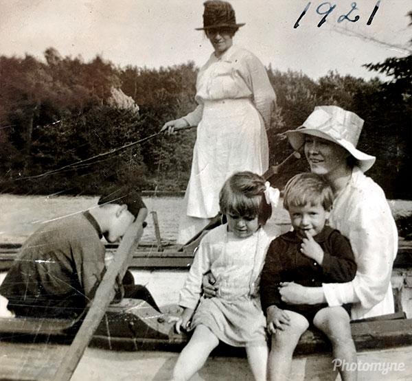 Balade nautique (nautical ride). Location unknown 1921