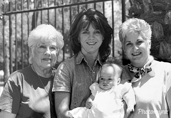 Granny Reba 79 yrs, Paula 30 yrs, Marlee Grace 4 mo, Grandma Sue 50 yrs, on Mothers Day. USA 1999