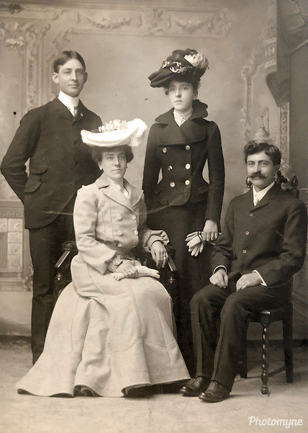 Aunt Emma and Uncle Henry wedding. My grandparents as witnesses. USA 1902