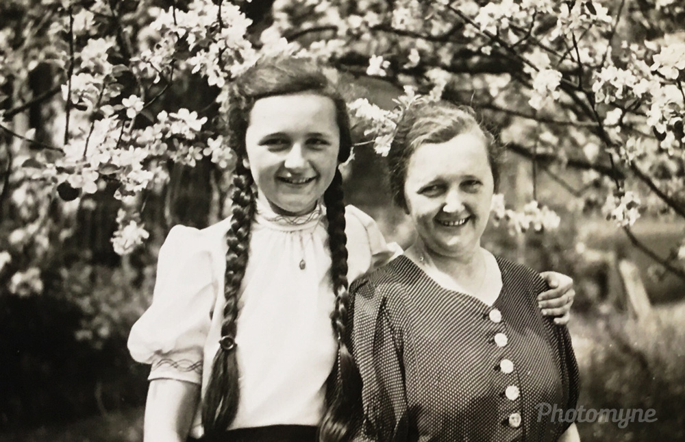 Mom and Granny, 1943, Friedland, Liberec, Czech Republic