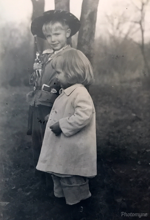 JED and DED, Closter. USA 1951