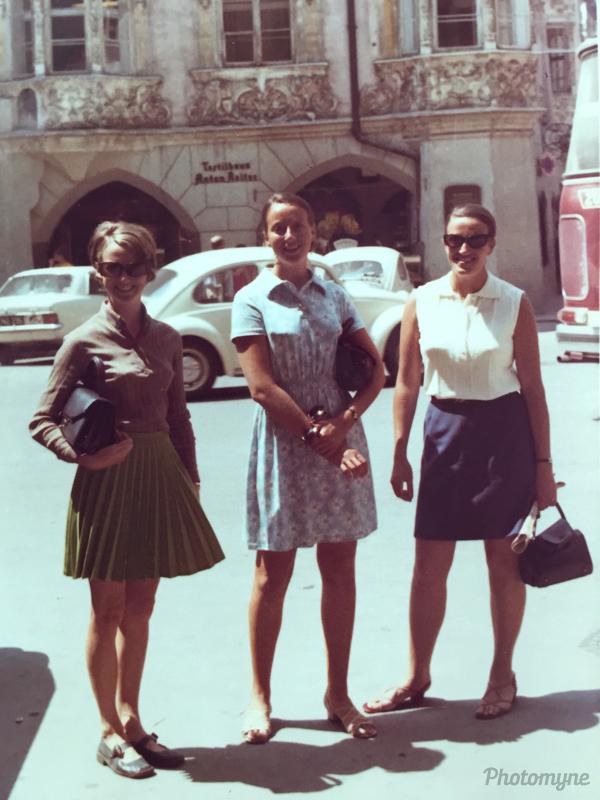 Roslyn O'Sullivan, Susie and Julie Grano. Australia 1969
