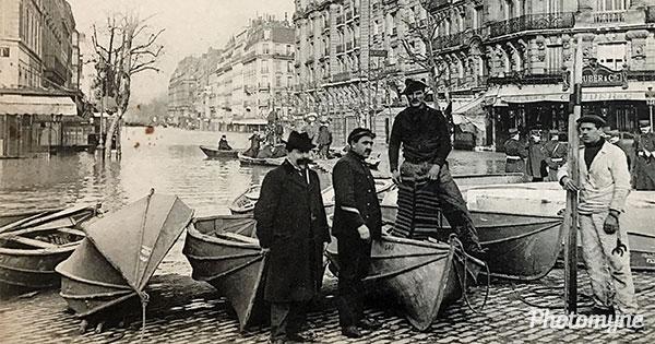Grande crue de la Seine à Paris (great flood of the Seine in Paris). France 1910