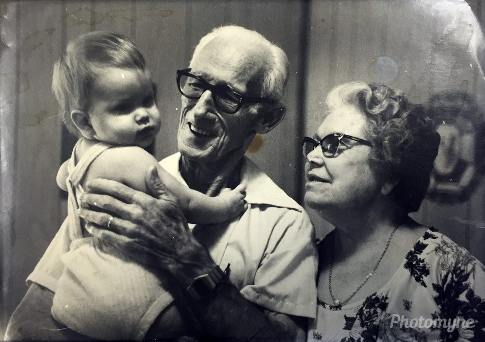 Family moment, US, 1979