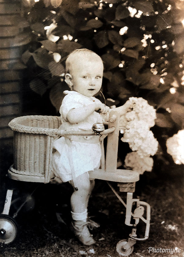 Harold V. Koontz Jr. abt 6-8 months old. Oregon, USA 1929