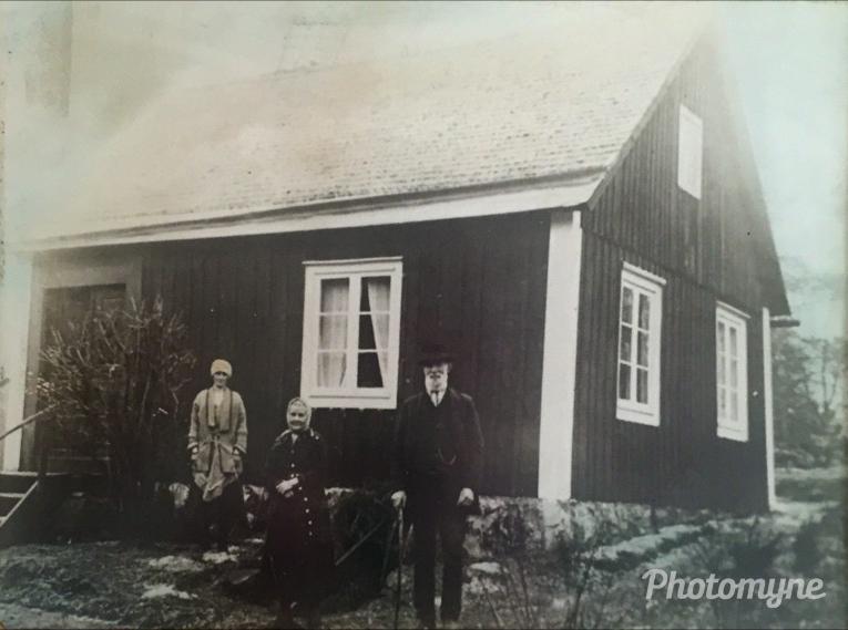 Emma Lindberg og Svend Magnus og deres datter Elfrida i Åmmad, 1920