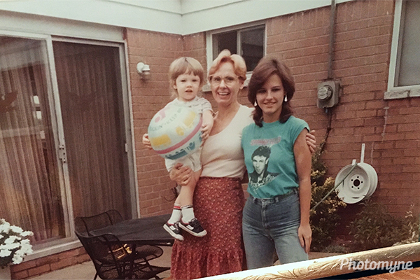 My sister Diane along with my daughter Rhonda and my young son, David Andrew. USA 1986 or 1987