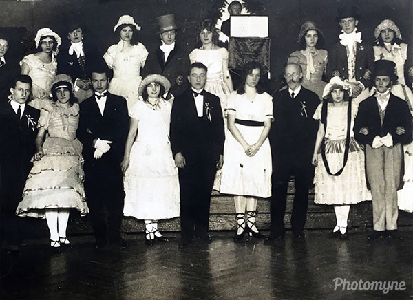 Biedermeier-Tanzgruppe, Tanzleiter Alois Jäger, Franz Schubert - Gedenkjahr zum 100. Todestag (Biedermeier dance group, dance director Alois Jäger, Franz Schubert - commemorative year for the 100th anniversary of his death). Austria 1928