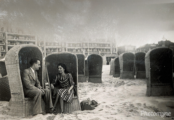 Scheveningen vakantie (Scheveningen holiday). Location unknown 1941