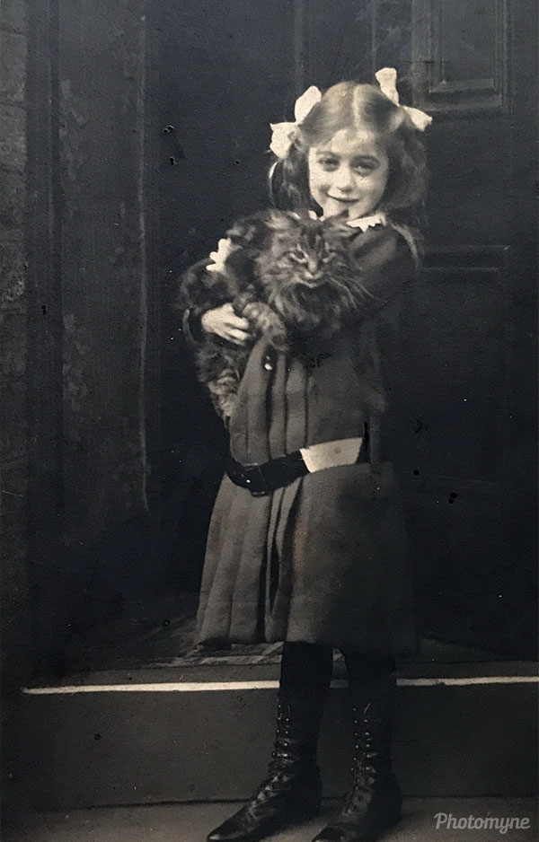 Margaret Annie and her cat. UK 1910
