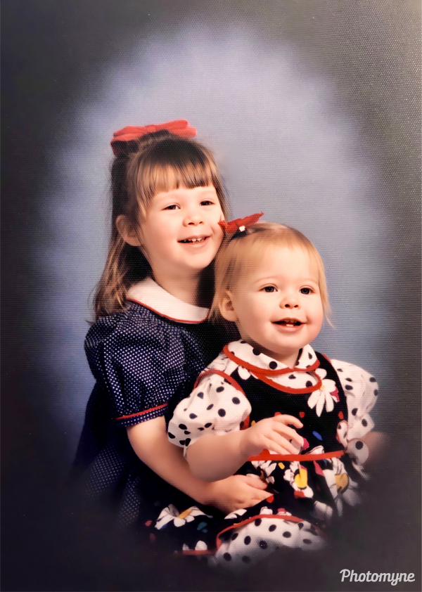 Katie and Caroline Bacon at 3 years and 15 months old. USA 1995