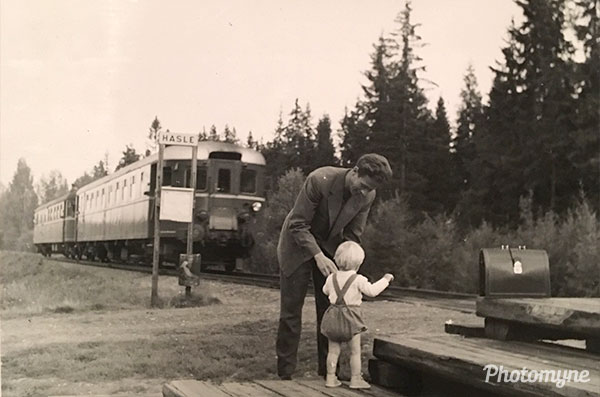 Waiting for the train (Hasle in Norway), and saying goodbye to the uncle. Norway 1957