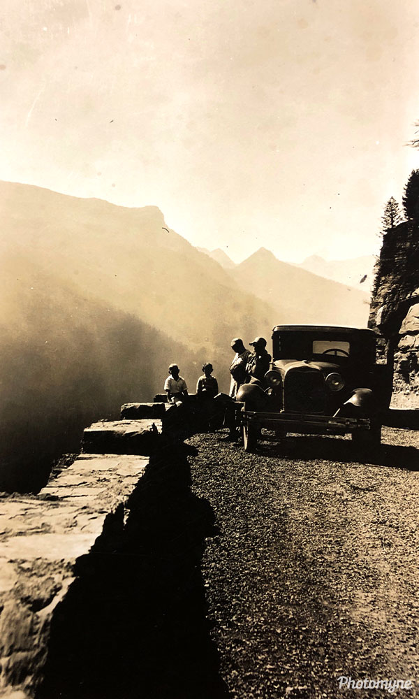 On the way to Glacier National Park. USA 1930