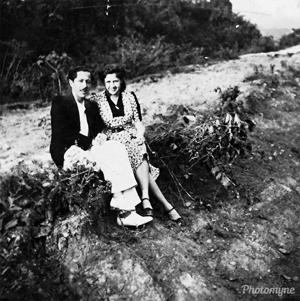 Papá y mamá de novios en 1941. Mamá está de medio luto por la muerte del abuelo Puno (Mom and dad as a couple in 1941. Mom is mourning the death of grandfather Puno). Colombia 1941
