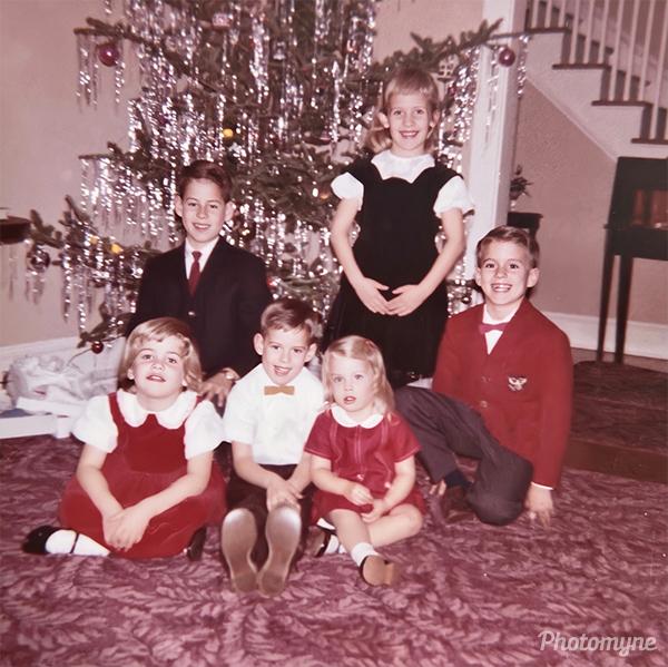 Christmas with Carolyn, Robbie, Alan, Susan, Joyce, and David Bacon. VA, USA 1963