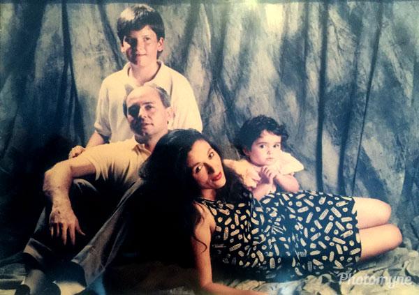 My family, with Ana Beatriz, Hilton, Luiz Henrique, Silvia. Rio de Janeiro, Brazil 1990