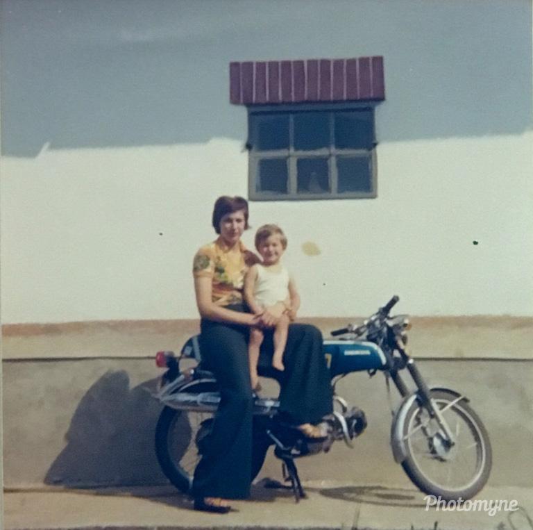 Günter und Mama, 1976