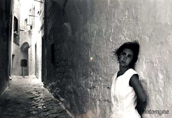 Per le vie di Ostuni (Through the streets of Ostuni). Italy 1995