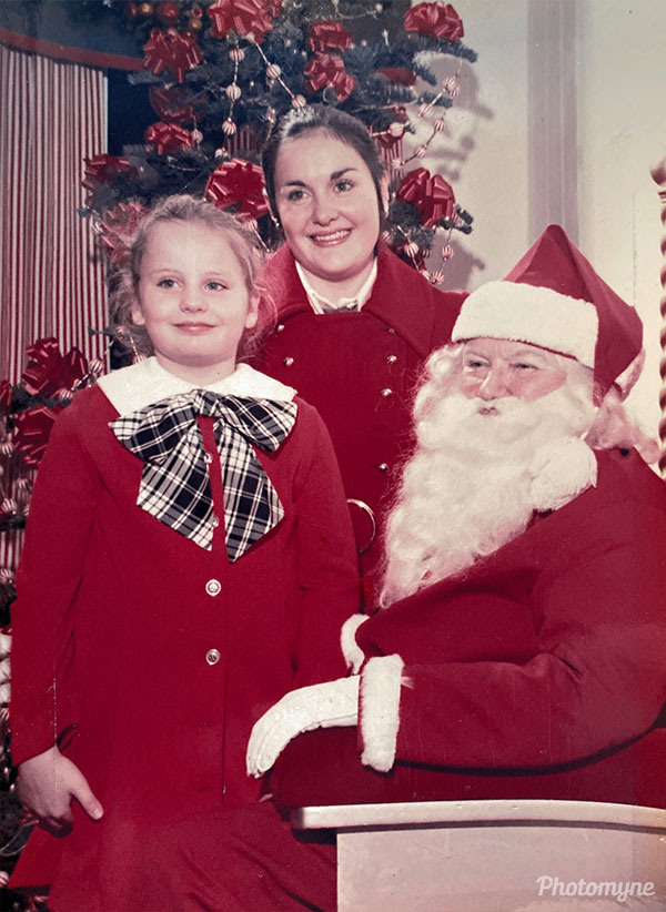 A visit to the Frederick and Nelson Santa with my sister USA 1972