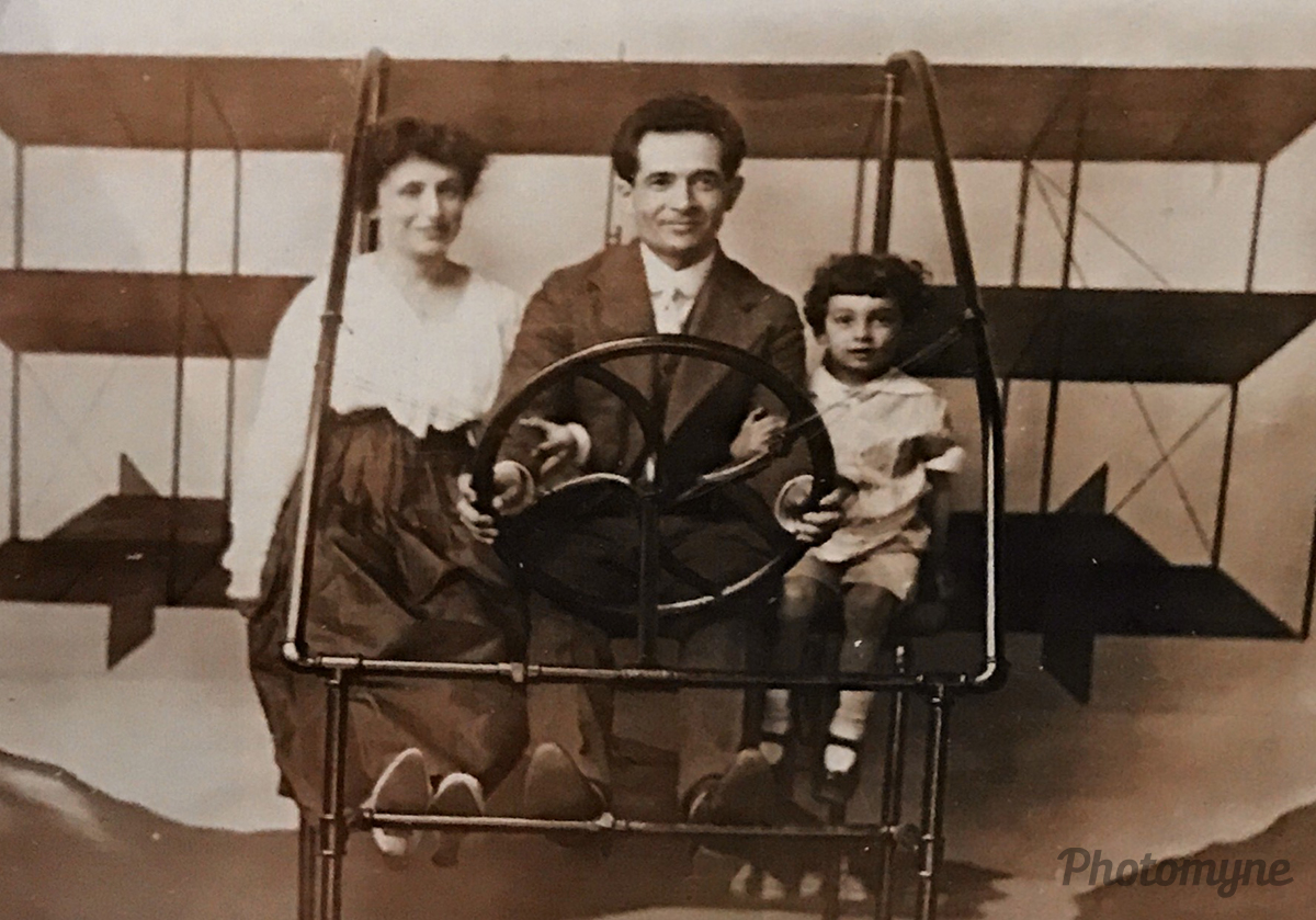 Great grandfather Marvin Blume (dentist) with his wife Elizabeth Rubin Blume and there son Marshall Blume. This picture was taken 10 years after the Wright brothers flight, Connecticut, US, 1913