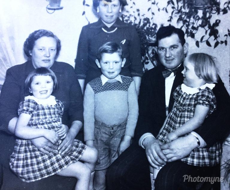 Familie til Holger, Skovby, 1956