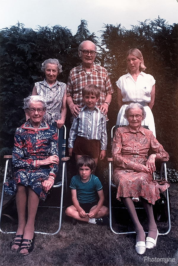 Standing, Mildred and Geoffrey Usherwood, Christine Freeman, Seated, Margaret and Ruth Usherwood, Children, standing Adrian Freeman and sitting, Laurence Freeman. GB (year unknown)