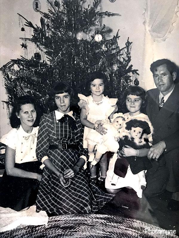Lyons Family. NY, USA 1946