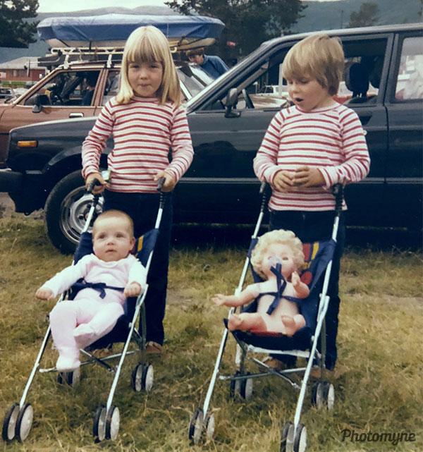 Stensrud jentene (young Stensrud girls). Norway 1981