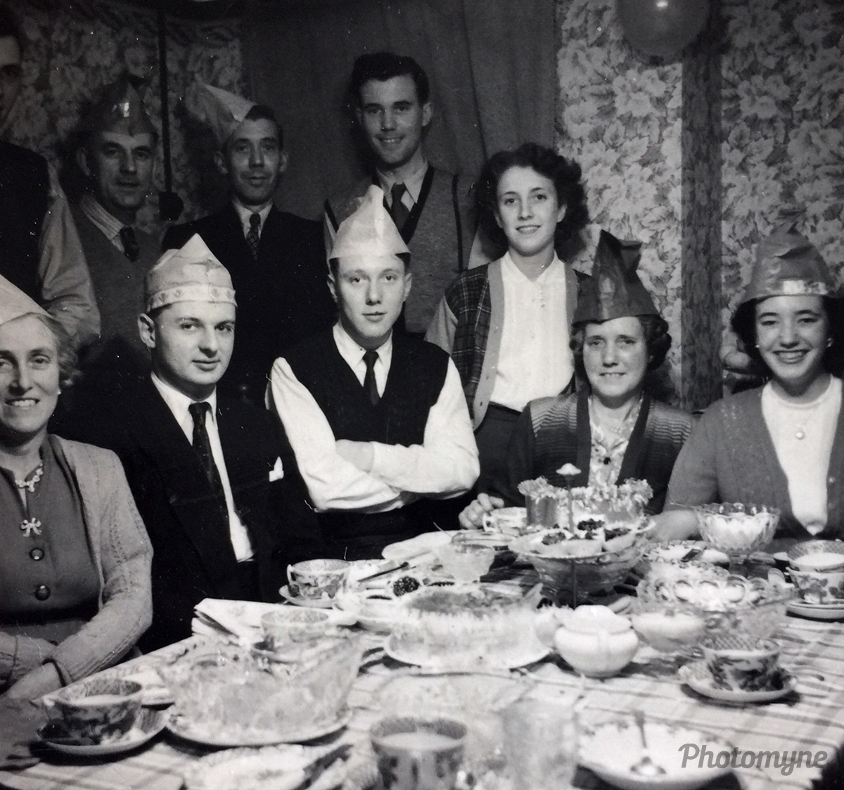 Family Christmas. London, UK 1950