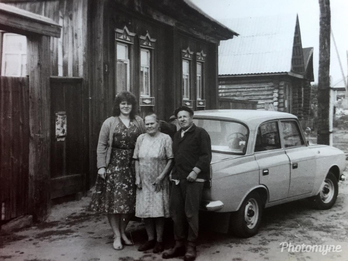Родители мамы и Сестра, Исетское (Parents mother and sister, Isetskoe), Тюменская обл (Tyumen region), Ievskoe, Russia, 1986